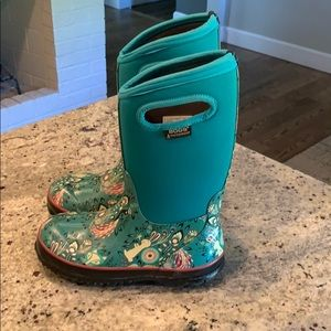 BOGS waterproof youth boots